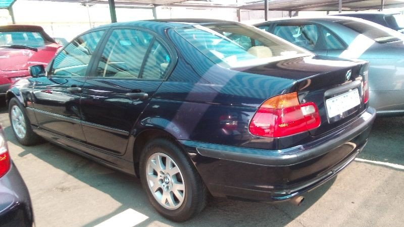 BMW 3 series 318i 2003 photo - 11