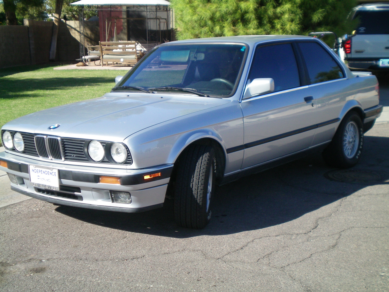 BMW 3 series 318is 1988 photo - 3