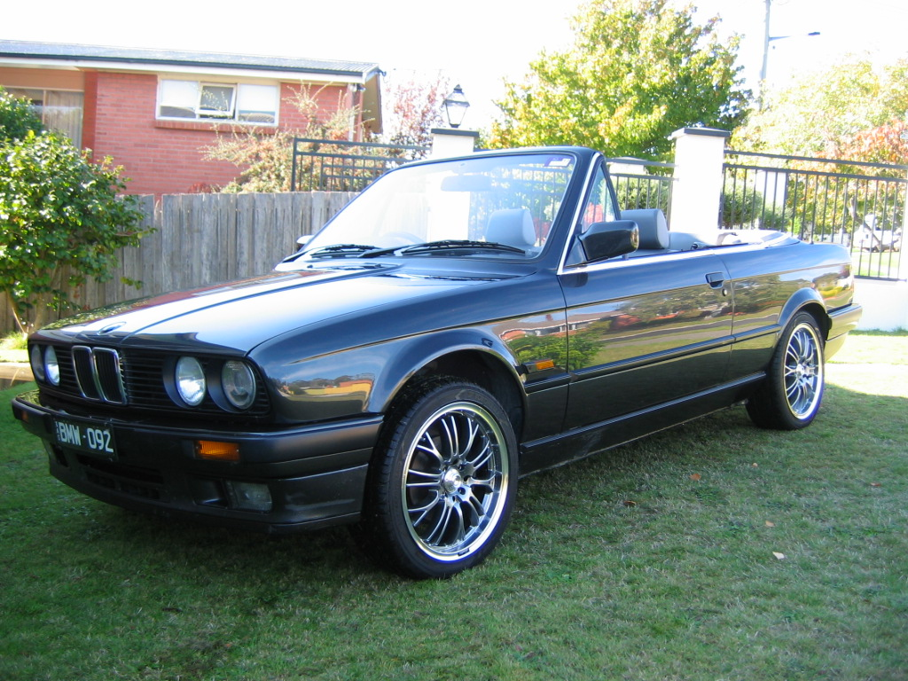 BMW 3 series 318is 1992 photo - 4