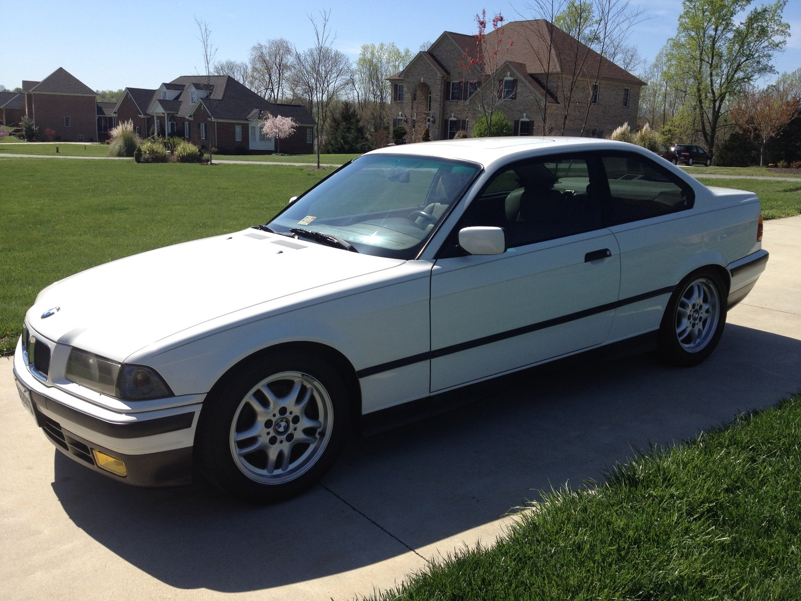 BMW 3 series 318is 1993 photo - 2