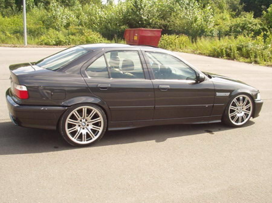 BMW 3 series 318is 1994 photo - 11