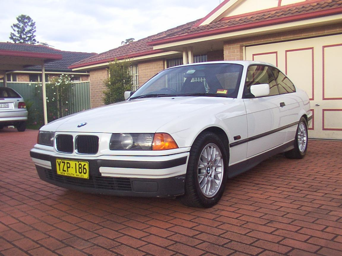 BMW 3 series 318is 1994 photo - 2