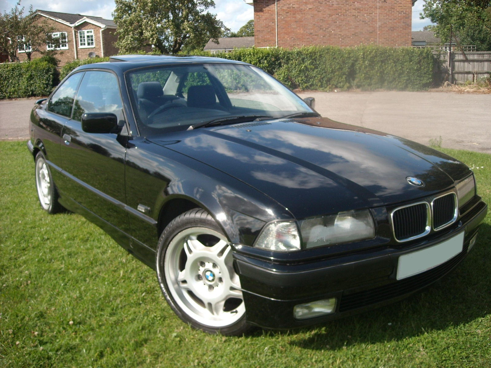 BMW 3 series 318is 1994 photo - 4