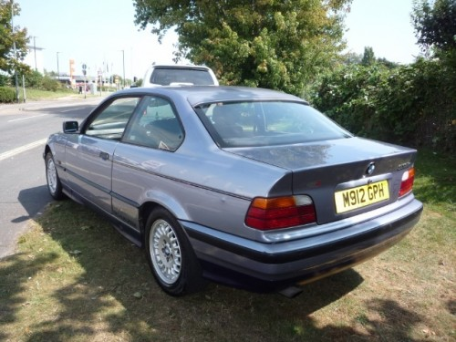 BMW 3 series 318is 1995 photo - 2