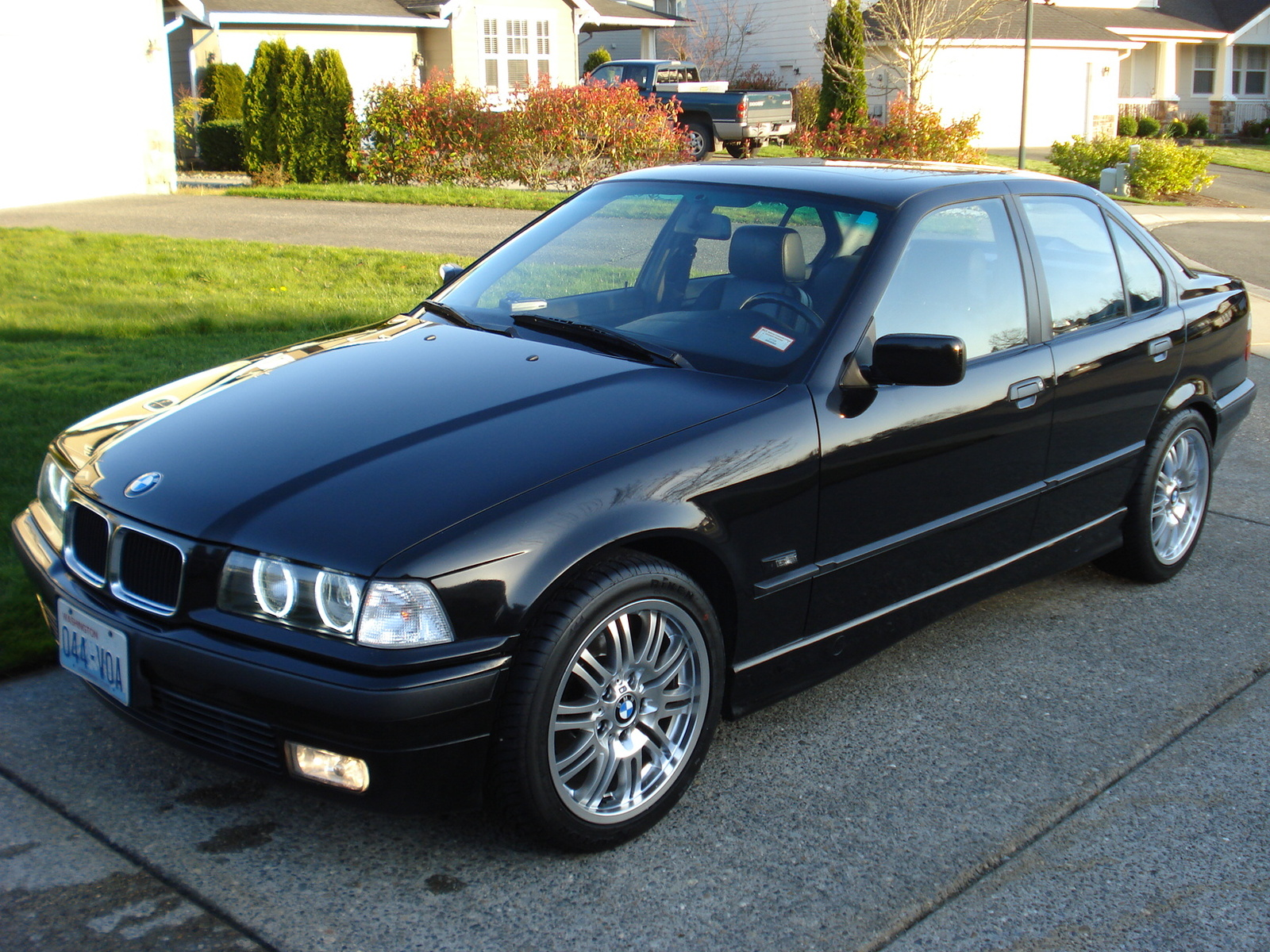 BMW 3 series 318is 1996 photo - 1
