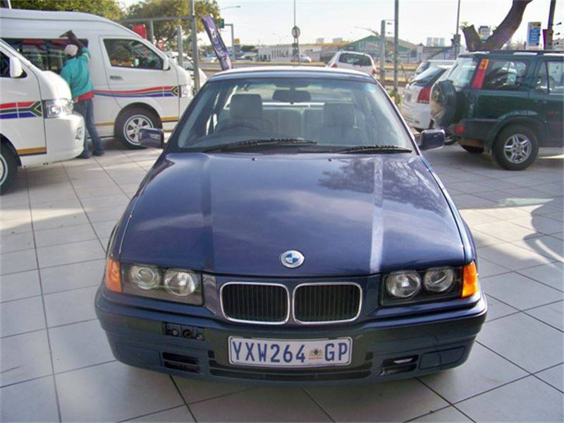 BMW 3 series 318is 1996 photo - 2