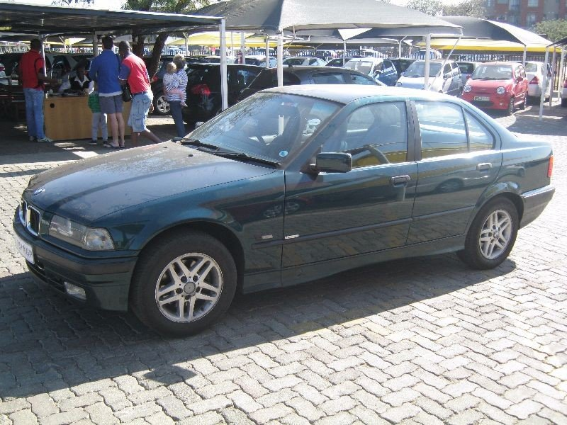 BMW 3 series 318is 1997 photo - 9