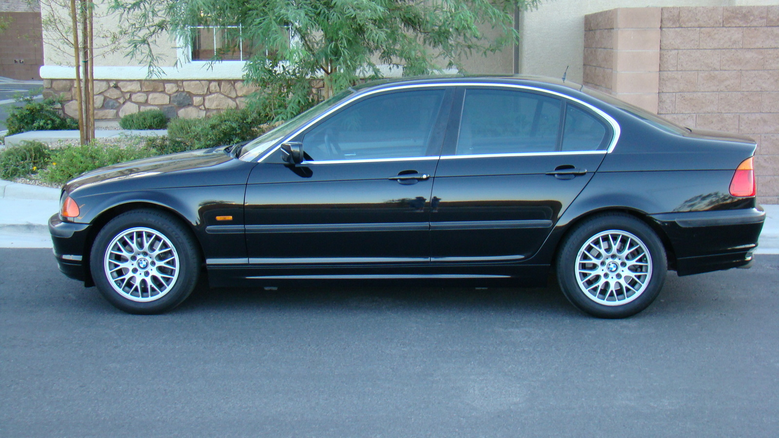BMW 3 series 318is 2000 photo - 2