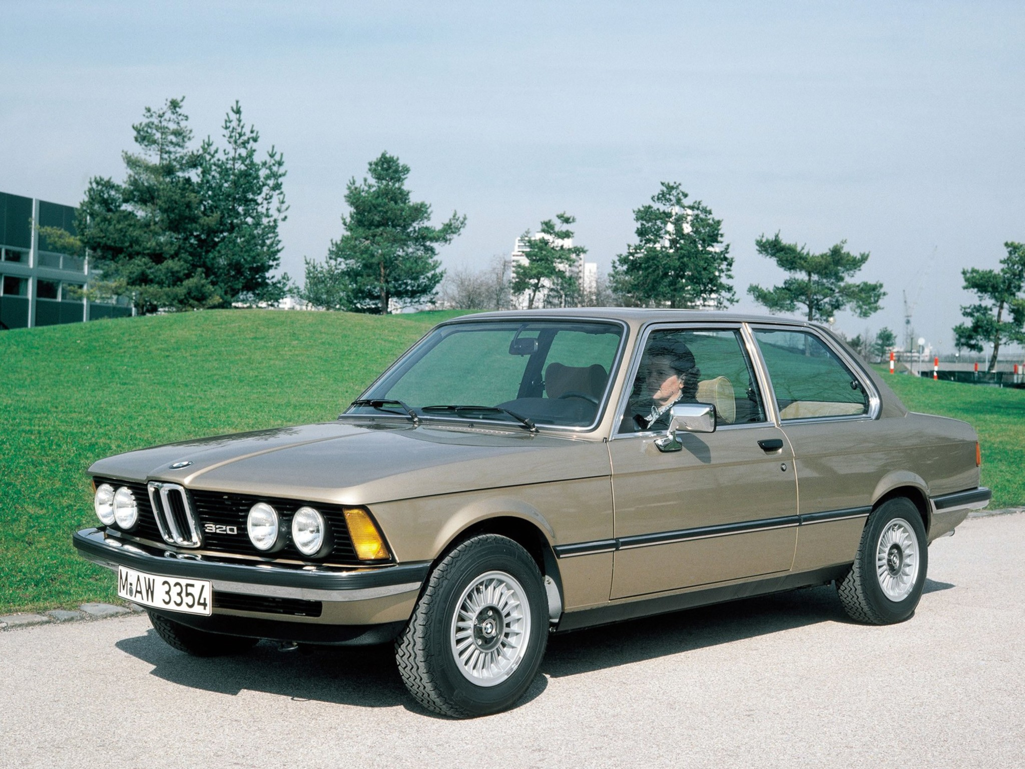 BMW 3 series 320 1975 photo - 1