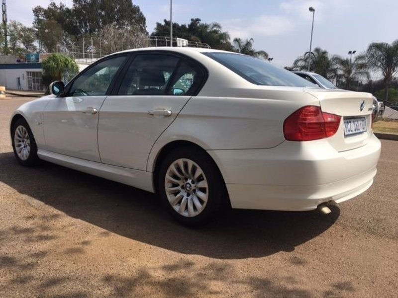 BMW 3 series 320d 2009 photo - 4