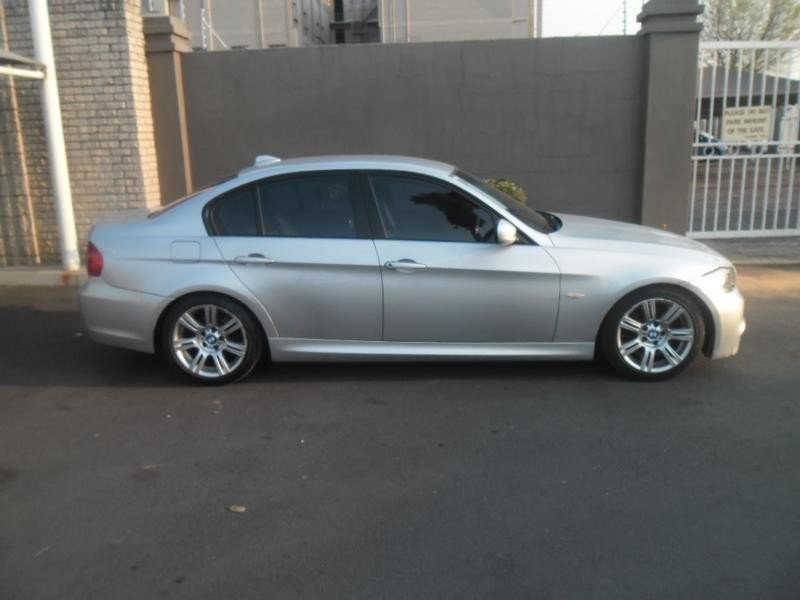 BMW 3 series 320d 2009 photo - 9