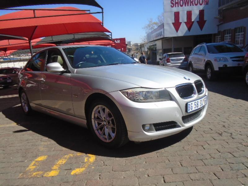 BMW 3 series 320d 2011 photo - 1
