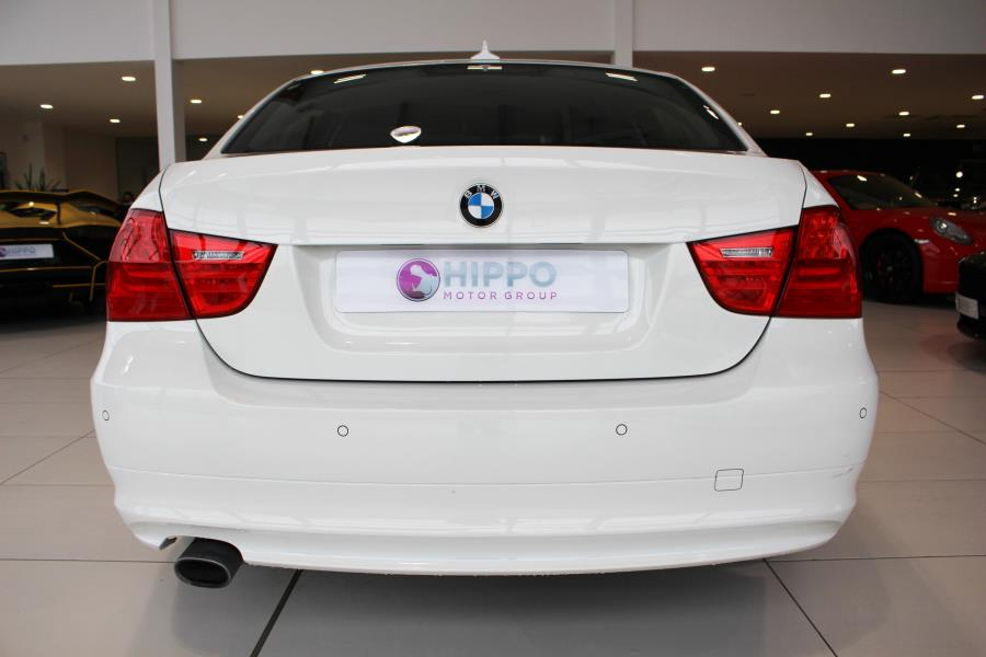 BMW 3 series 320d 2011 photo - 11