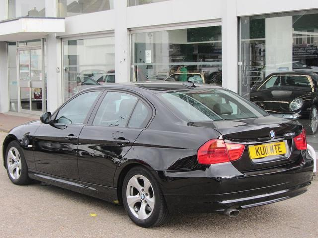 BMW 3 series 320d 2011 photo - 5