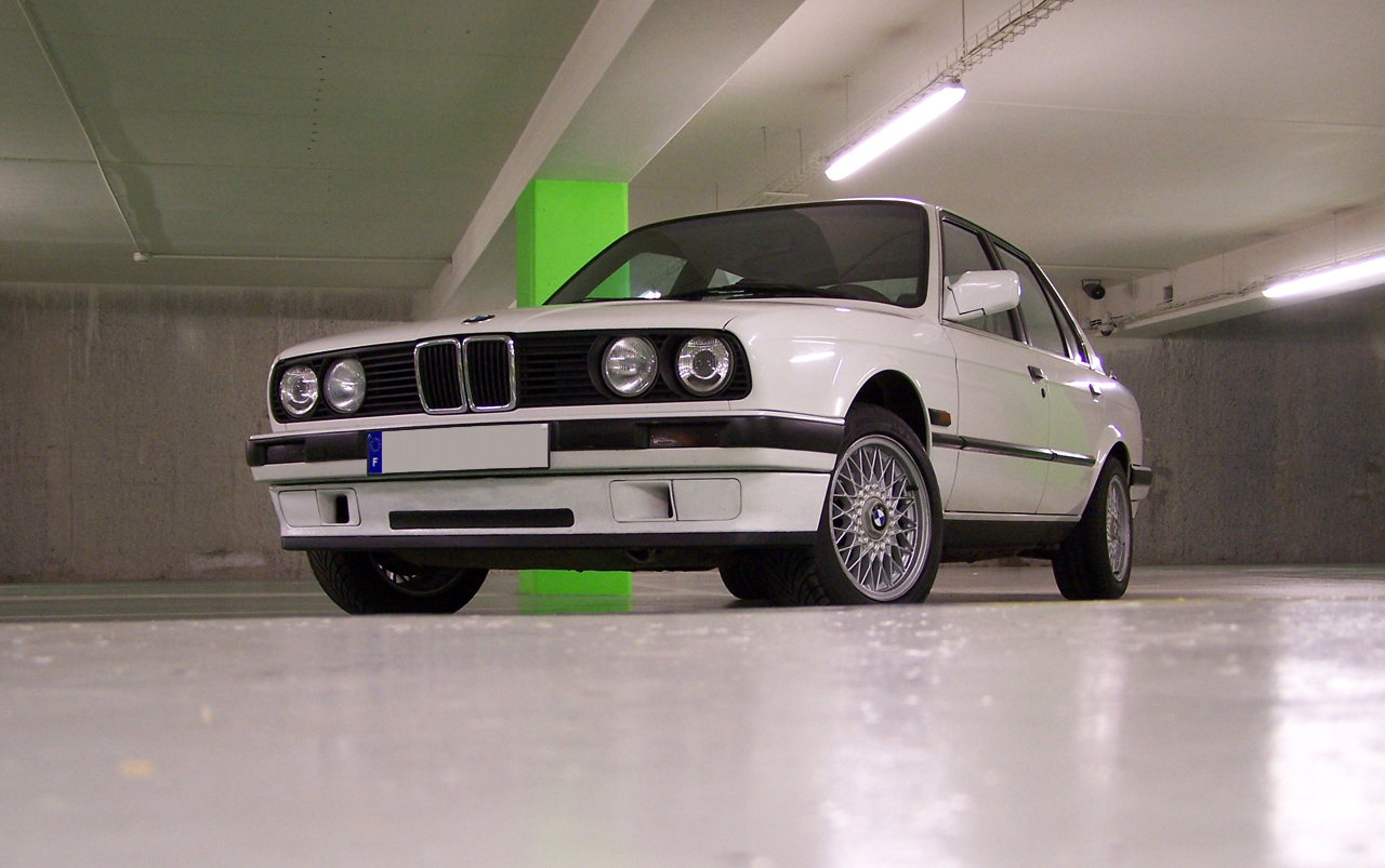 BMW 3 series 320i 1983 photo - 11