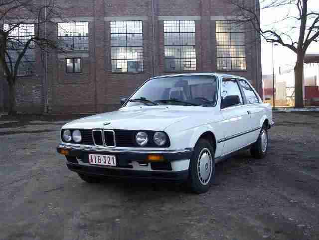 BMW 3 series 320i 1983 photo - 3