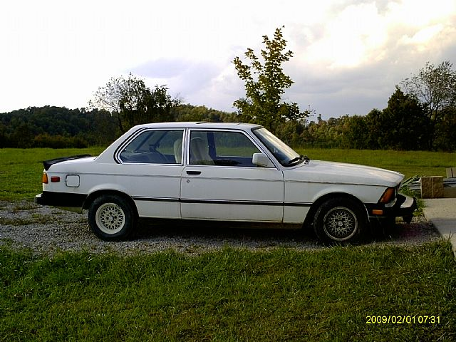 BMW 3 series 320i 1983 photo - 8
