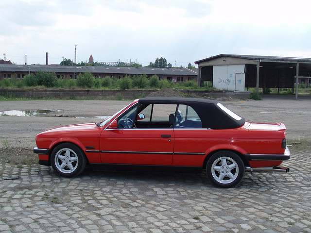 BMW 3 series 320i 1988 photo - 3