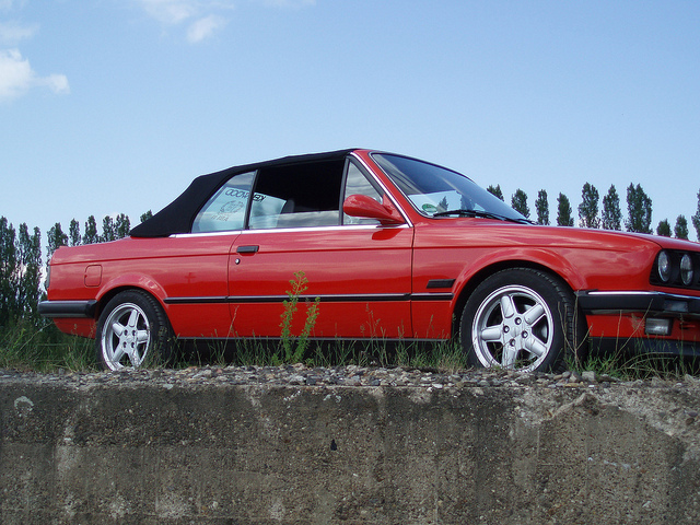 BMW 3 series 320i 1988 photo - 8