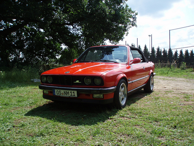 BMW 3 series 320i 1988 photo - 9