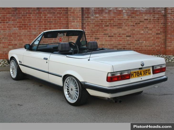 BMW 3 series 320i 1990 photo - 2