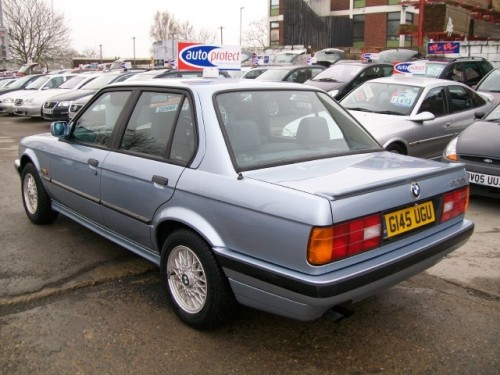 BMW 3 series 320i 1990 photo - 5