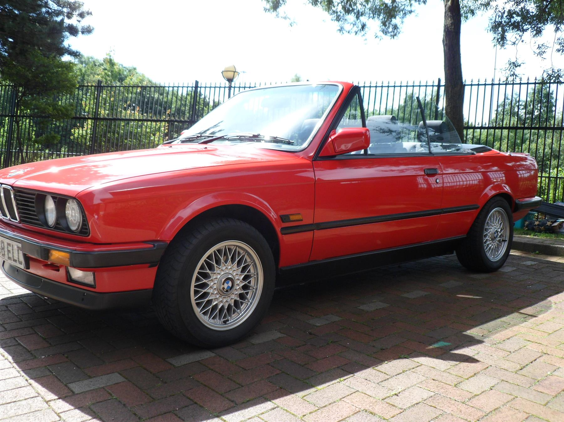 BMW 3 series 320i 1990 photo - 8