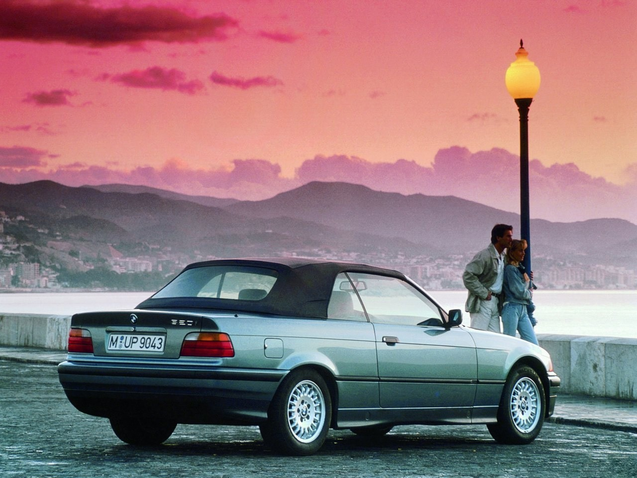 BMW 3 series 320i 1993 photo - 1