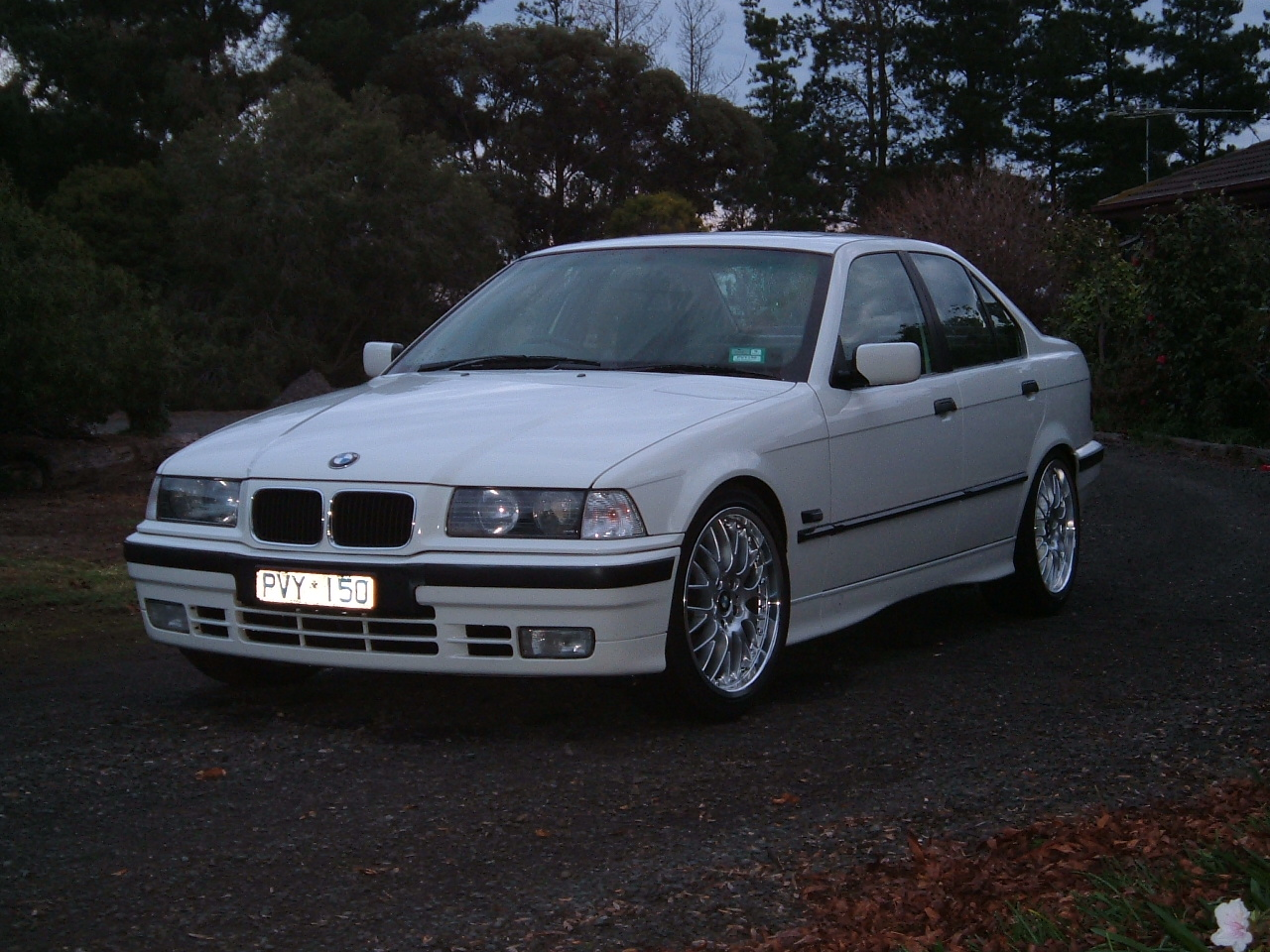 BMW 3 series 320i 1993 photo - 9