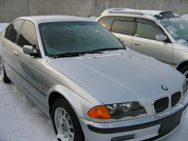 BMW 3 series 320i 2000 photo - 11