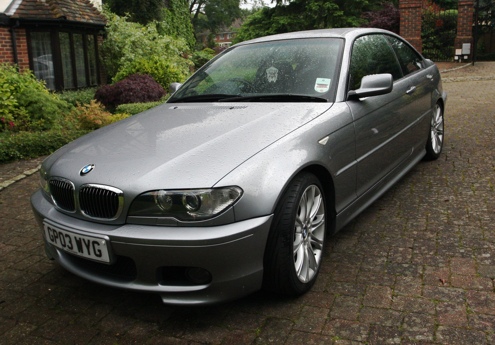 BMW 3 series 320i 2003 photo - 11