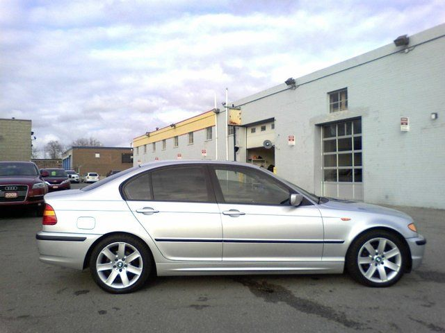 BMW 3 series 320i 2003 photo - 3