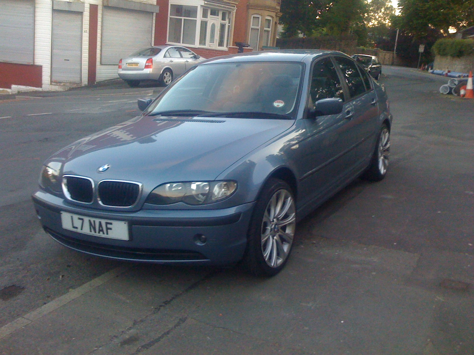 BMW 3 series 320i 2003 photo - 6