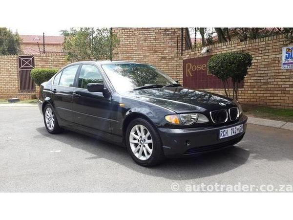 BMW 3 series 320i 2004 photo - 11