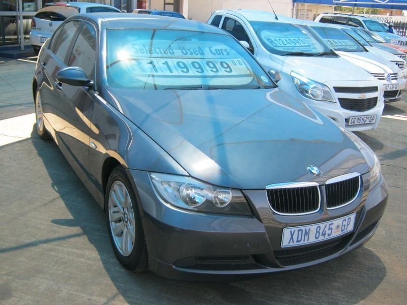 BMW 3 series 320i 2008 photo - 4