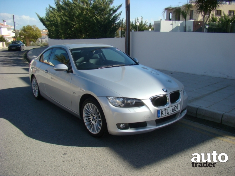 BMW 3 series 320i 2008 photo - 5