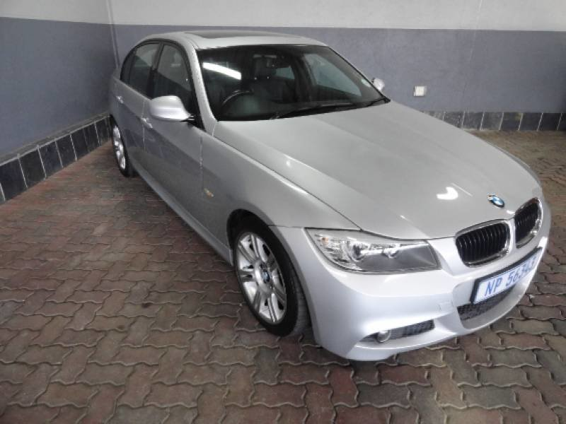 BMW 3 series 320i 2010 photo - 11