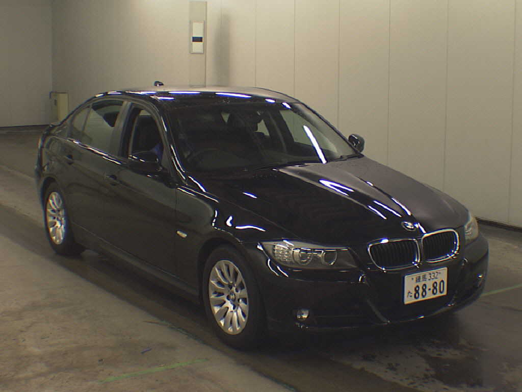 BMW 3 series 320i 2010 photo - 2