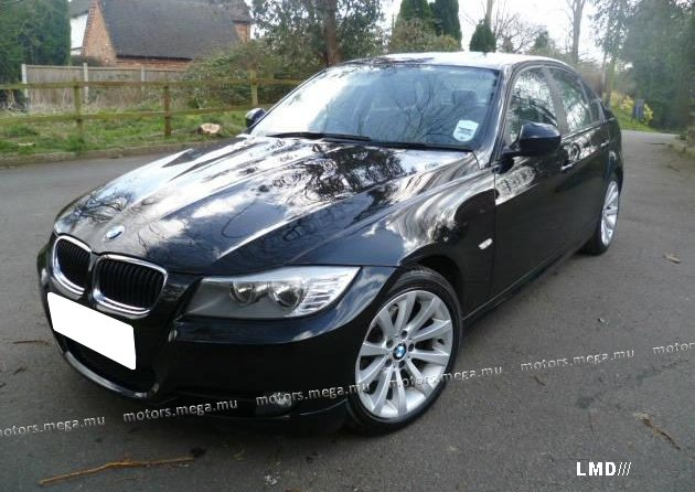 BMW 3 series 320i 2010 photo - 4