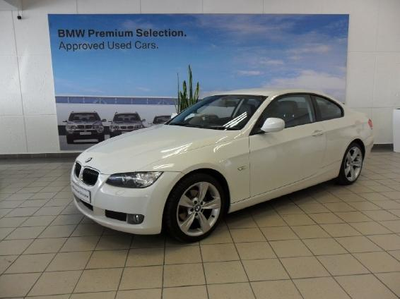 BMW 3 series 320i 2010 photo - 6