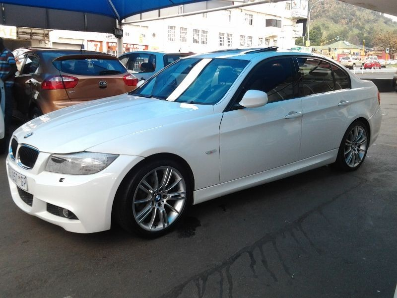 BMW 3 series 320i 2010 photo - 7