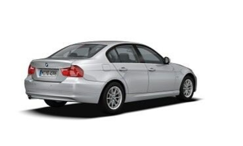 BMW 3 series 320i 2011 photo - 2