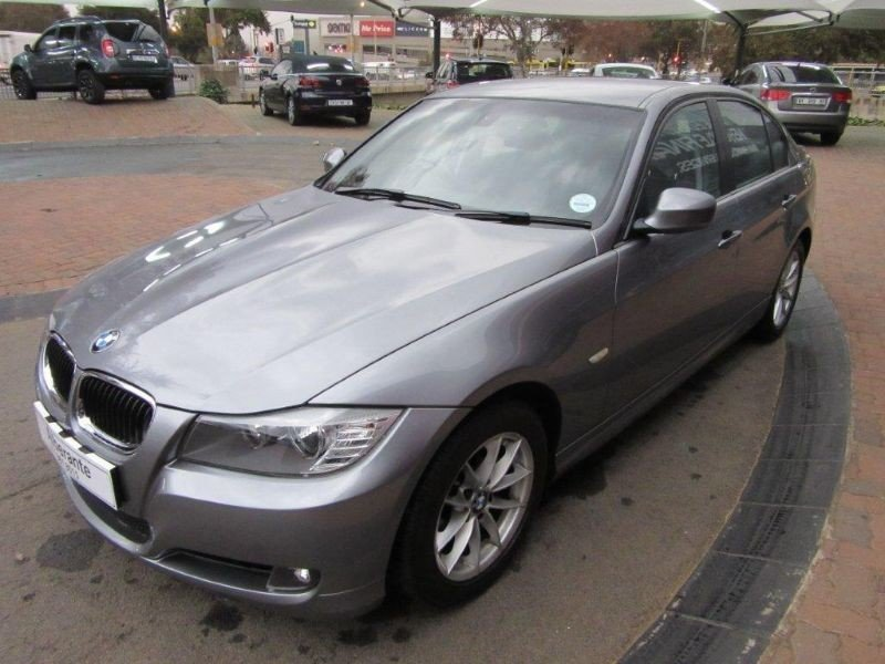 BMW 3 series 320i 2011 photo - 8
