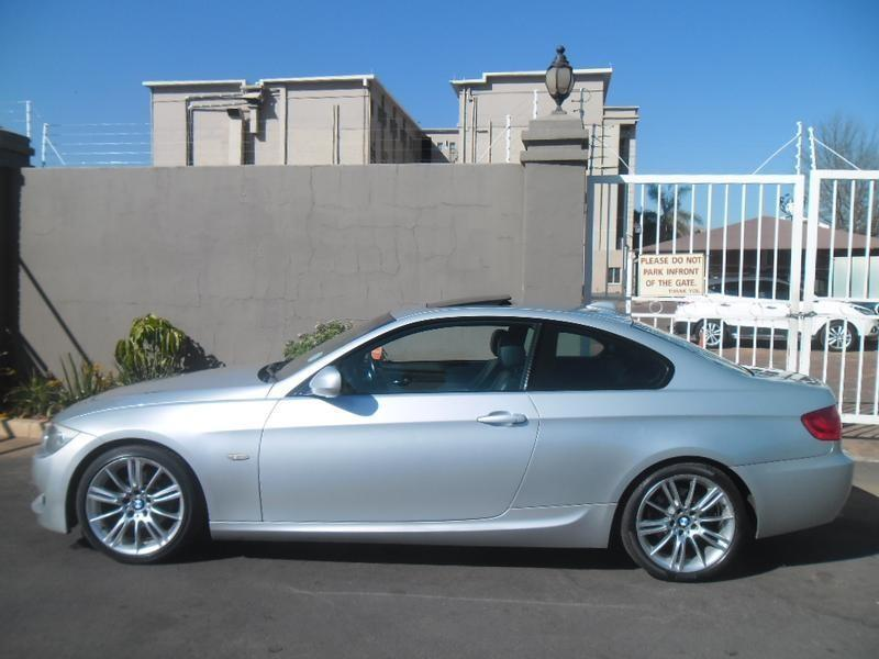 BMW 3 series 320i 2011 photo - 9