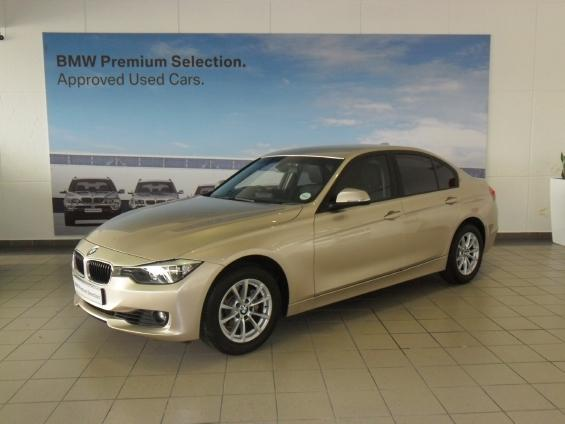 BMW 3 series 320i 2012 photo - 11