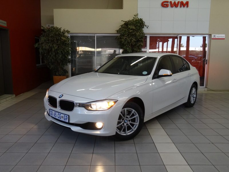 BMW 3 series 320i 2012 photo - 5