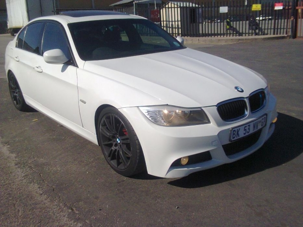 BMW 3 series 320i 2012 photo - 7