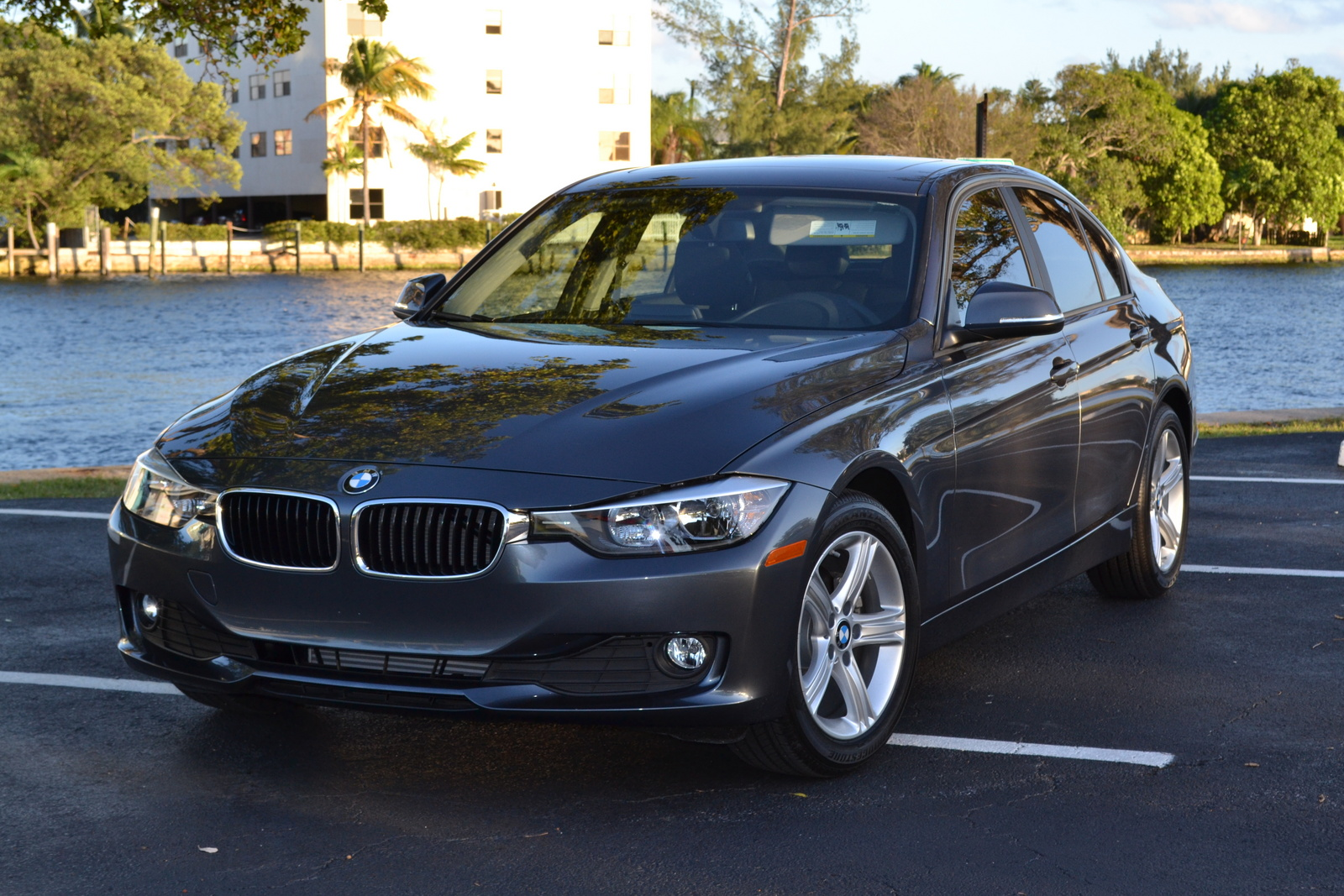 BMW 3 series 320i 2014 photo - 10
