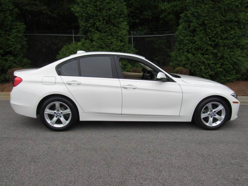 BMW 3 series 320i 2014 photo - 3