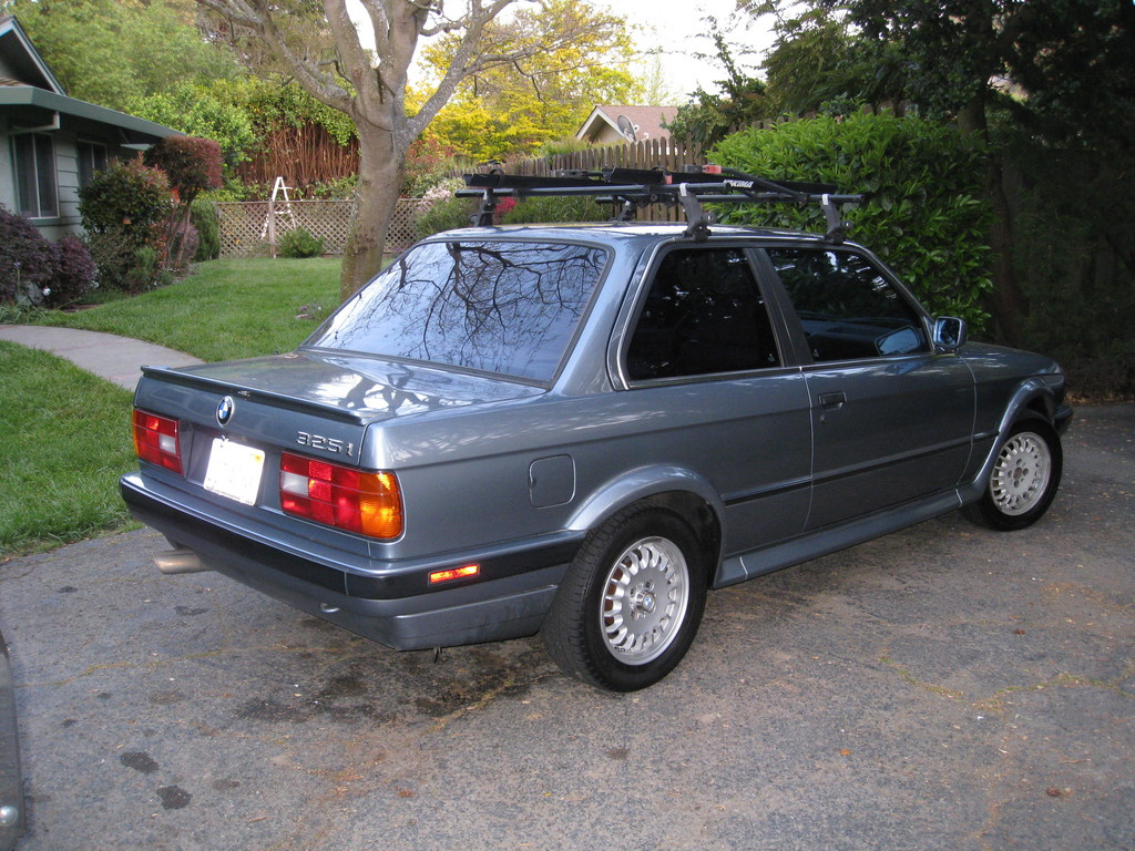 BMW 3 series 320is 1989 photo - 2